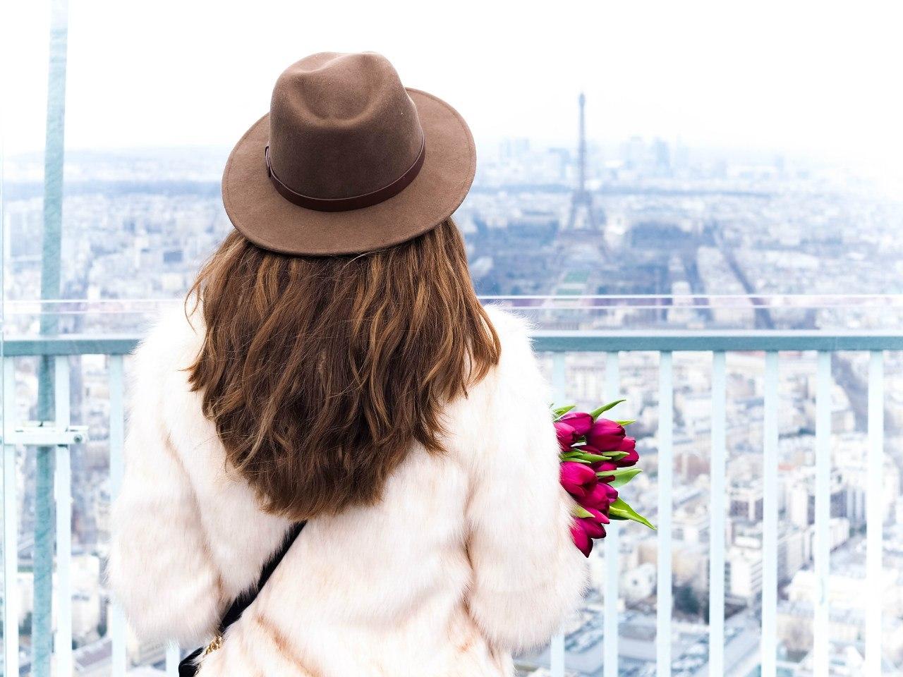 фото девушек в париже